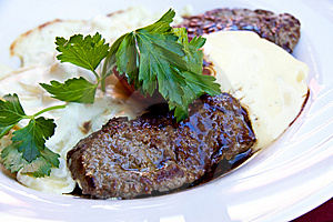 Sirloin Strip Steak -Entrecote-with Vegetables And Royalty Free Stock Photos - Image: 10004858