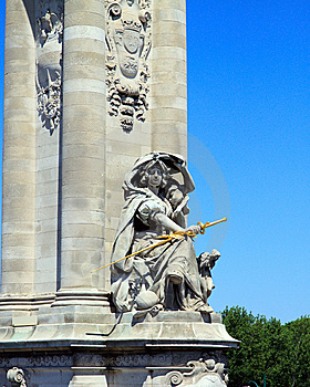 Parisian Statue Royalty Free Stock Images - Image: 10032559