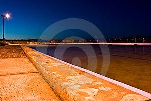 Strandnaher Swimmingpool An Der Dämmerung Stockbild - Bild: 10077381