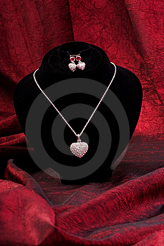 Chain With Diamond Heart And Earring Stock Images - Image: 10130494