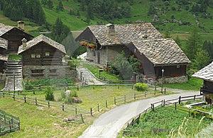 Case tradizionali italia fotografie stock immagine for Case tradizionali italiane