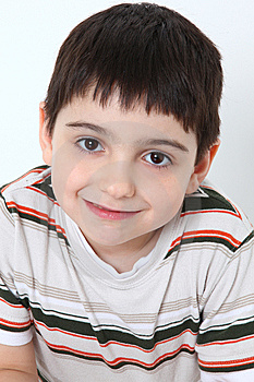 Grina För Pojke Royaltyfri Bild - Bild: 10141666