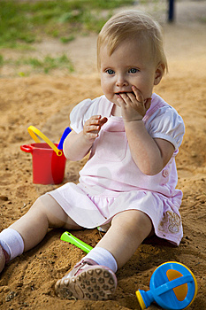 Little Girl In Sandbox Royalty Free Stock Photography - Image: 10200097