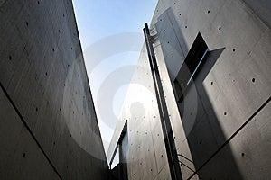 Sharp Modernist Building Royalty Free Stock Images - Image: 10216959