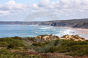 Shore In Portugal Royalty Free Stock Image - Image: 10226076