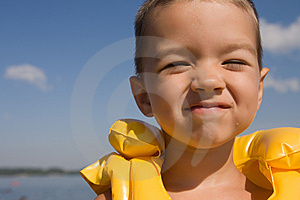 Kid With Swiming Vest Weared Royalty Free Stock Photos - Image: 10252168