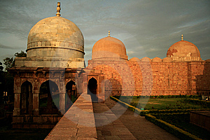 Mosque And Tomb Royalty Free Stock Images - Image: 10267389