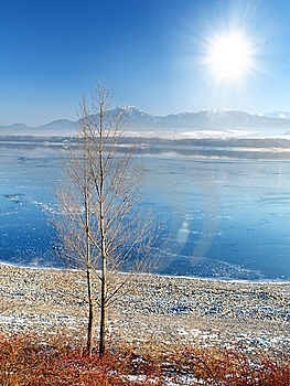 Frozen Lake Royalty Free Stock Images - Image: 10282259