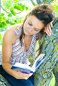 Reading Stock Photography - Image: 10351942