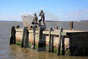 渔夫雕象 免版税库存图片 - 图片: 1066386