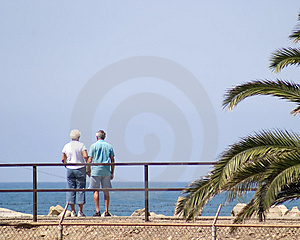 Couple Viewing Ocean Free Stock Photography