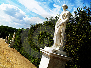 Statues In A Park Royalty Free Stock Photos - Image: 1088138