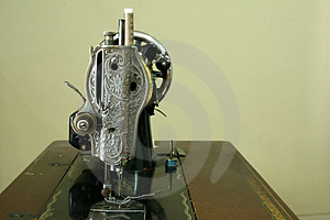 Vintage Sewing Machine Stock Photo - Image: 1094590