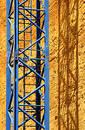 High contrast crane