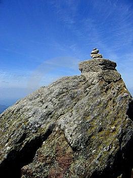 Un altro 3 pietre aggiunto la quota di 1446m il picco di Semenic Montagne (Romania).
