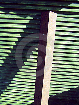 Grün geplantes Holz und Träger Stockfotos