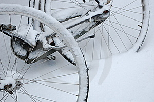 Bike Wheels In The Snow Royalty Free Stock Images - Image: 12485229