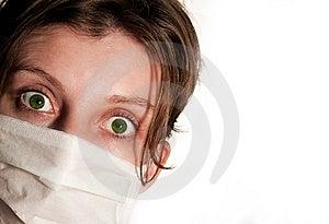 Mujer Con Los Ojos Verdes Grandes Que Llevan La Máscara Médica Imagenes de archivo - Imagen: 12524414