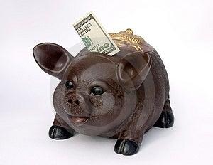 Piggy банк с США 100 долларов в шлице Стоковые Изображения RF - изображение: 1270359
