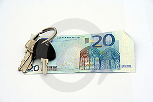 Keys Over Banknote Free Stock Photography