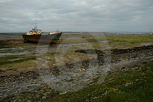 Shipwreack On Walney Island Free Stock Photos