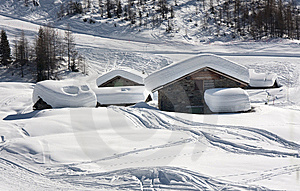 House With The Snow Stock Images - Image: 13553834