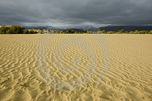 Stormy Desert3 Royalty Free Stock Photography - Image: 1364907