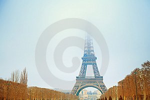 Eiffel Tower in winter Free Stock Photography