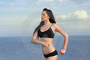 Girl Does Jog Royalty Free Stock Images - Image: 13717359