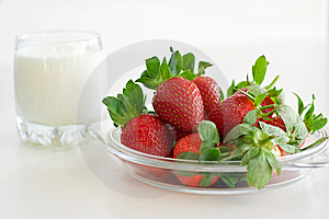 Strawberries And Milk Royalty Free Stock Image - Image: 13783706