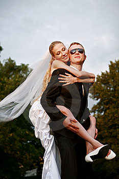 Bride And Groom Royalty Free Stock Photography - Image: 13792097