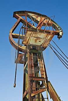 Oil Pump Royalty Free Stock Images - Image: 13795349