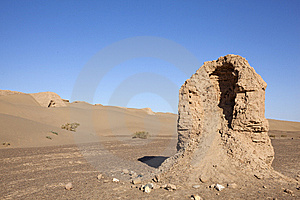 Ruin In Desert Royalty Free Stock Photo - Image: 13801505