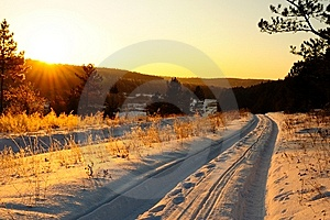 Winter Road Royalty Free Stock Images - Image: 13806229
