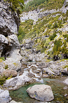 River Bellos In Canyon Anisclo Stock Image - Image: 13809241