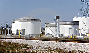 Fuel Storage Tanks Royalty Free Stock Images - Image: 13875379