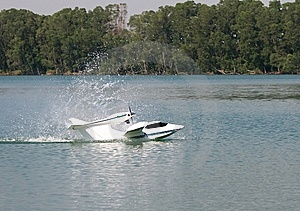 Seaplane Splash-in Royalty Free Stock Photos - Image: 13876838