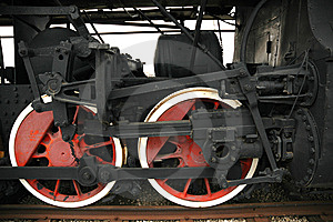 Wheels Of The Old Locomotive Royalty Free Stock Image - Image: 13900016