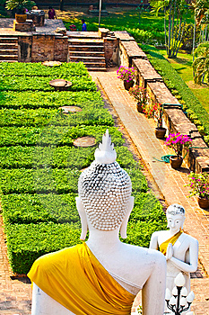 Statue Of Buddhas In Temple Wat Chai Mongkol Stock Photo - Image: 13909970