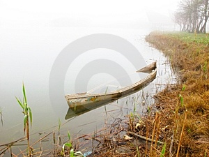 Sunken Boat Stock Image - Image: 13910501