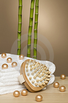 Towel, Spa And Bamboo Royalty Free Stock Images - Image: 13956069