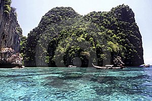Crystal-clear Water, Thailand Stock Images - Image: 13960164