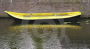 Yellow Boat Free Stock Photography