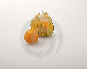 Cape Gooseberry (Physalis Peruviana) Royalty Free Stock Photos - Image: 14010708