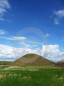 Silbury Hill Stock Photography - Image: 14016622
