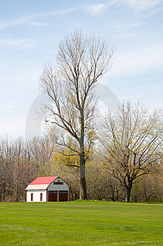 Red Barn Stock Images - Image: 14034234