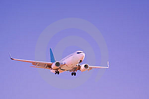 Commercial Jet Royalty Free Stock Images - Image: 14034699
