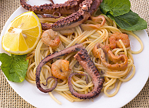 Pasta With Seafood: Octopus, Squid And Prawns Stock Image - Image: 14086611