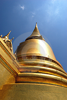 Wat Phra Kaeo Stock Photo - Image: 14103160