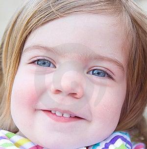 Portret Van Een Glimlachend Babymeisje. Royalty-vrije Stock Foto's - Afbeelding: 14229478